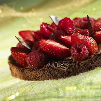 CHOCOLATE RED FRUIT TART